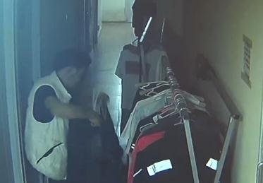 行窃如同逛商店 男子十次进出宾馆 全被监控拍下