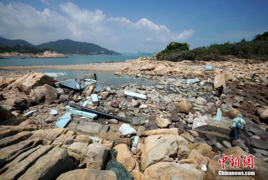 台风致香港41个泳滩破坏暂停开放 浅水湾或将重开