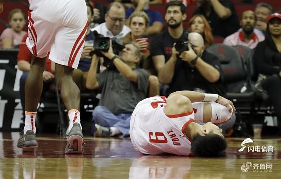 万幸!周琦自曝左膝伤势不重 检查结果是好消息