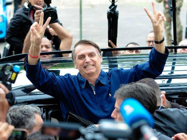 巴西极右翼总统候选人欲起用军人