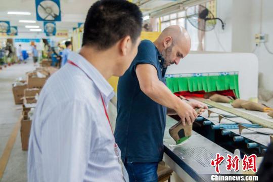 """""""中国女鞋生产基地""""广东惠东发展鞋企达6000多家"""