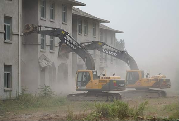 秦岭北麓拆除600多栋违建别墅 计划打造免费公园