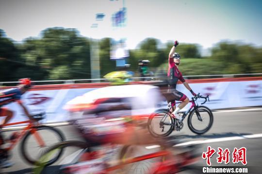 第九届环太湖自行车赛第四赛段结束 肯尼特摘冠
