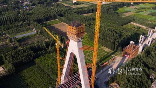 最新进展!泰东高速黄河特大桥主塔浇筑完成