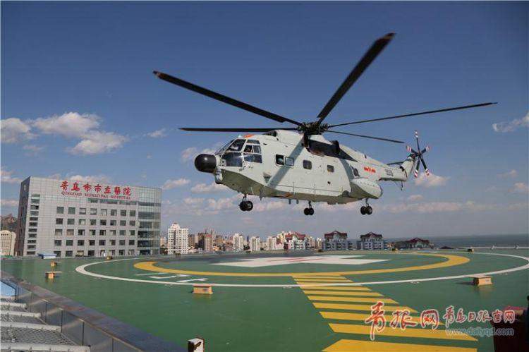 舰载救护直升机助阵 青岛这次空中救援演练不简单