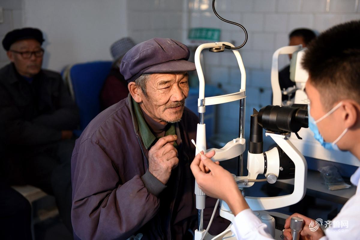 山东临沂启动送健康行动 为贫困老人免费做白内障手术