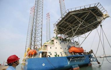 青岛制造海上多功能自升式海工平台出口阿联酋