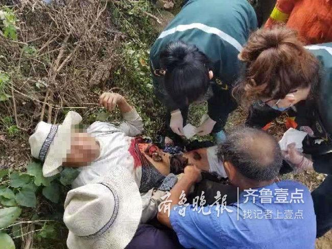 老人不慎被旋耕犁卡住,泰安消防紧急救援