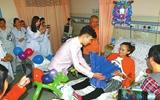大四女生患卵巢癌 男友在病房中求婚