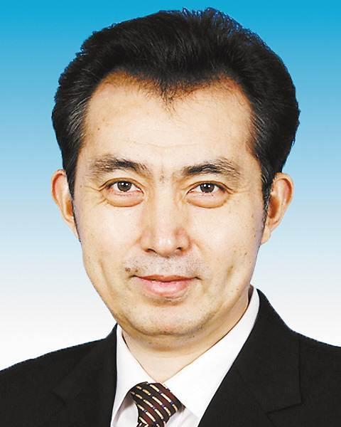 中央批准陈雍、阴和俊同志职务调整