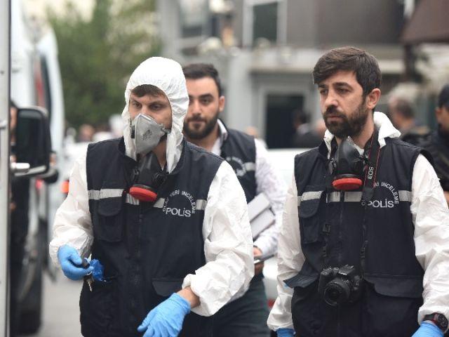 土调查人员搜查沙特领事官邸