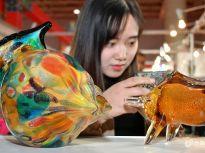 2018中国民间工艺品博览会在烟台开幕 展品涵盖上百种艺术门类