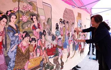 威海巾帼民俗旅游产品集中亮相 市民热情爆棚
