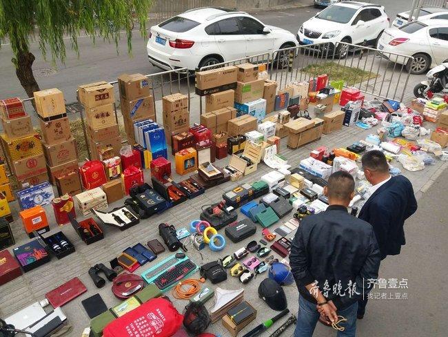 济南一男子路边随机拉车门行窃,两年偷出个超市