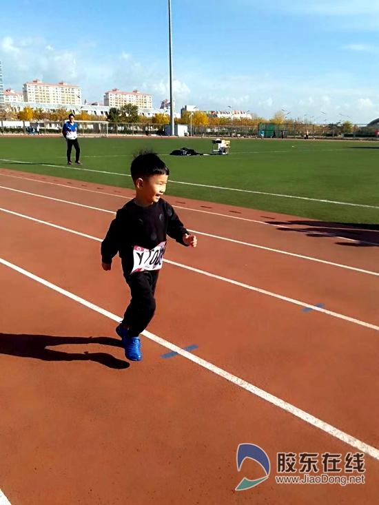 烟台5岁萌娃上央视体育新闻 跑步带给家庭变化