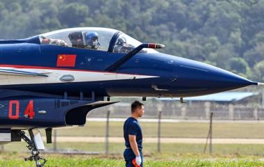 中国人民解放军空军八一飞行表演队抵达珠海