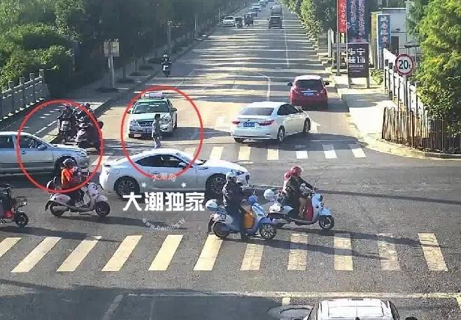 突发车祸,68岁老太被压车底 之后的一幕太震撼