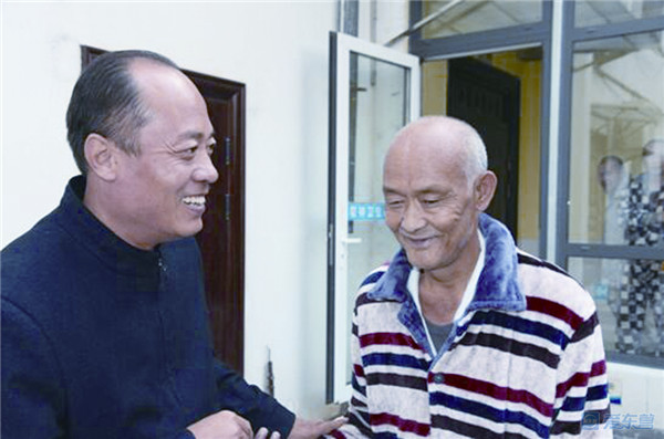 离乡32年终回家!东营多部门联动救助辽宁老人返乡