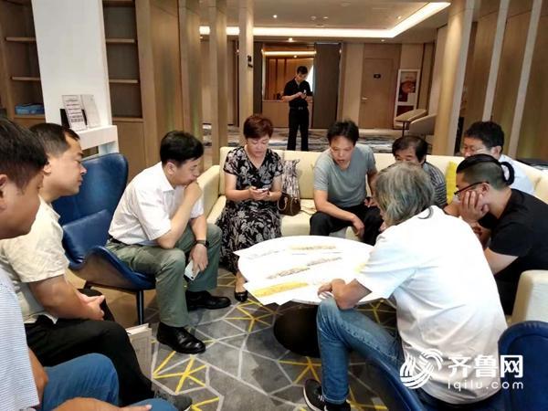 主创团队赴上海考察现场.jpg