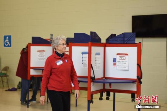 美国中期选举投票进入后半程 民主党有望夺回众院