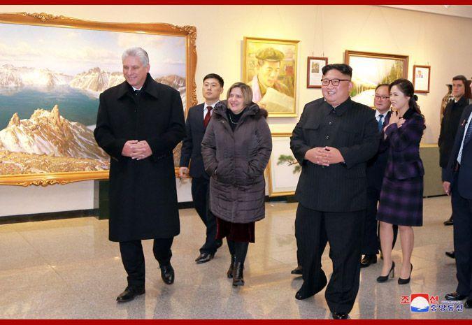 """古巴领导人兴奋参观朝鲜版""""798""""!金正恩夫妇陪同"""