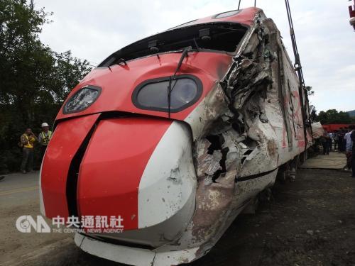 台铁事故列车有设计疏失 日本厂商首次受邀说明