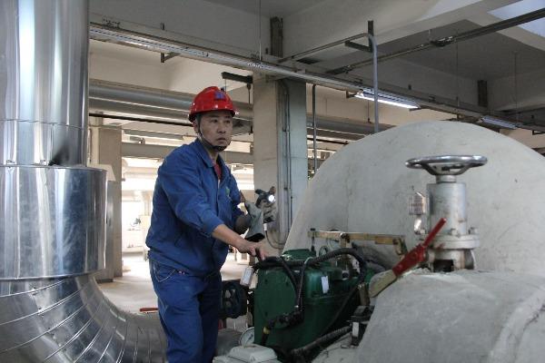 济宁东郊热电厂248个换热站今起热循环