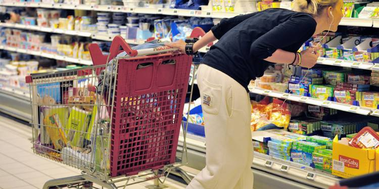 法媒:法国居民购买力排名欧洲第十三 各省市水平分布不均