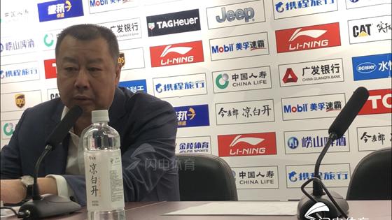 吴庆龙:会给年轻球员更多机会 吴楠一席话逗乐全场