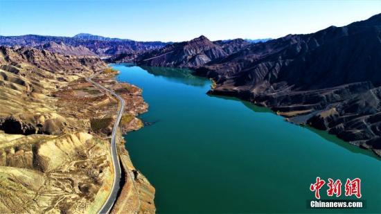 广州曝光打卡式河长:对污水排放问题视而不见