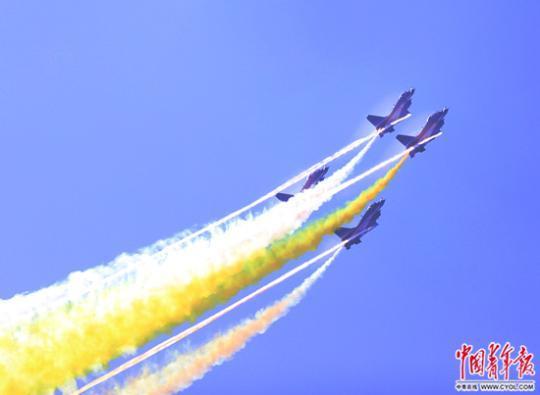 """中国空军的""""航展时间"""" 空新装备呈现井喷之势"""