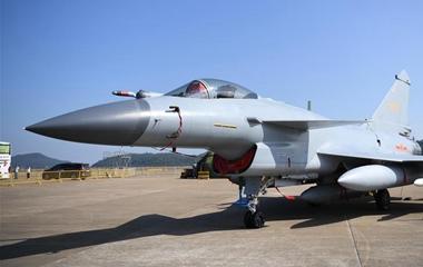 帅气登场!中国空军盛装亮相中国航展