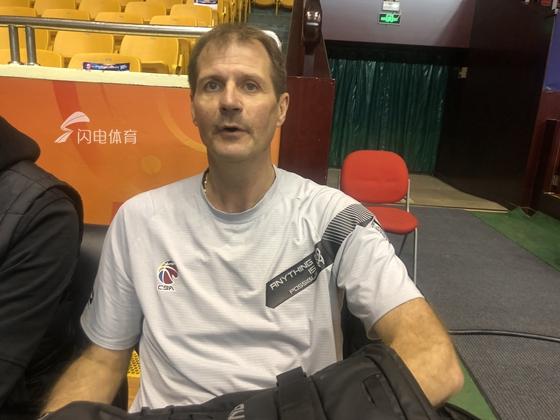 同曦主帅:打出团队篮球才有望取胜 国内球员的发挥很重要