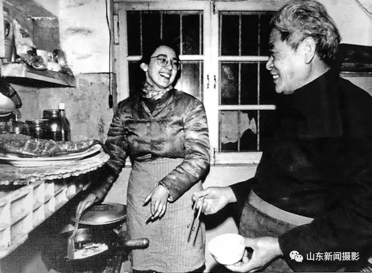【钱眼回眸四十年 -44】老工人的洋儿媳 (1990)
