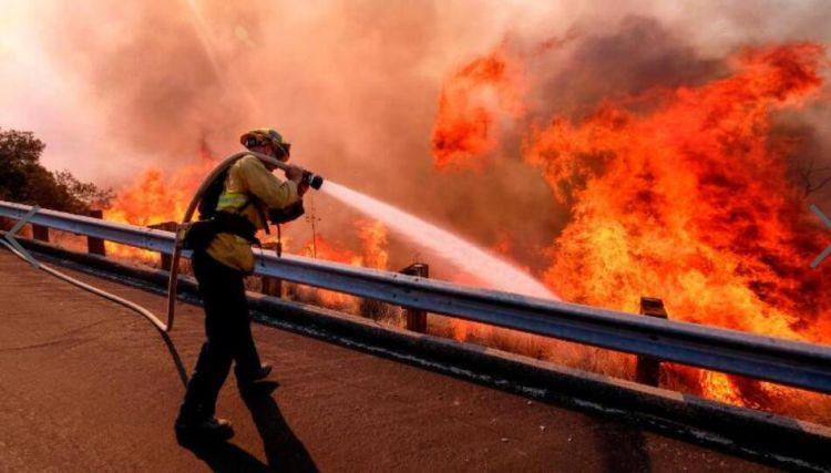 加州史上最惨重! 该州大火总死亡人数上升至44人 阵风仍在路上