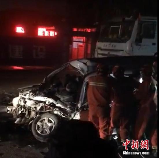 西安发生重大交通事故 公安部派工作组赶赴现场
