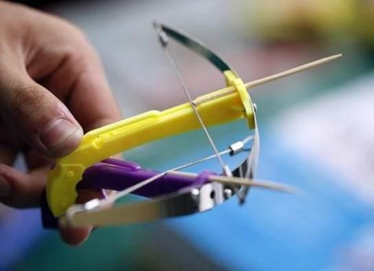 内蒙古小学生左眼被牙签弩射残,便利店被判赔偿8.4万