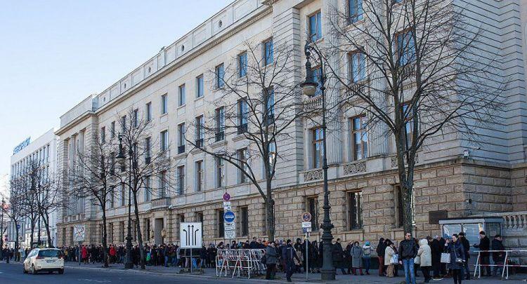 俄媒:一有精神问题波兰人企图潜入俄驻德国使馆