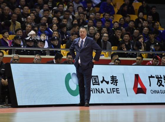 吴庆龙:队员要充分发挥特长 杰特9分朱世龙送上鼓励