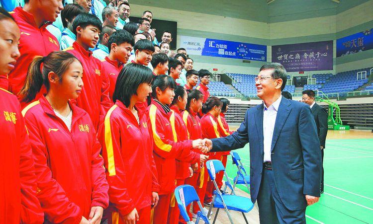 周连华接见省运会淄博体育代表团