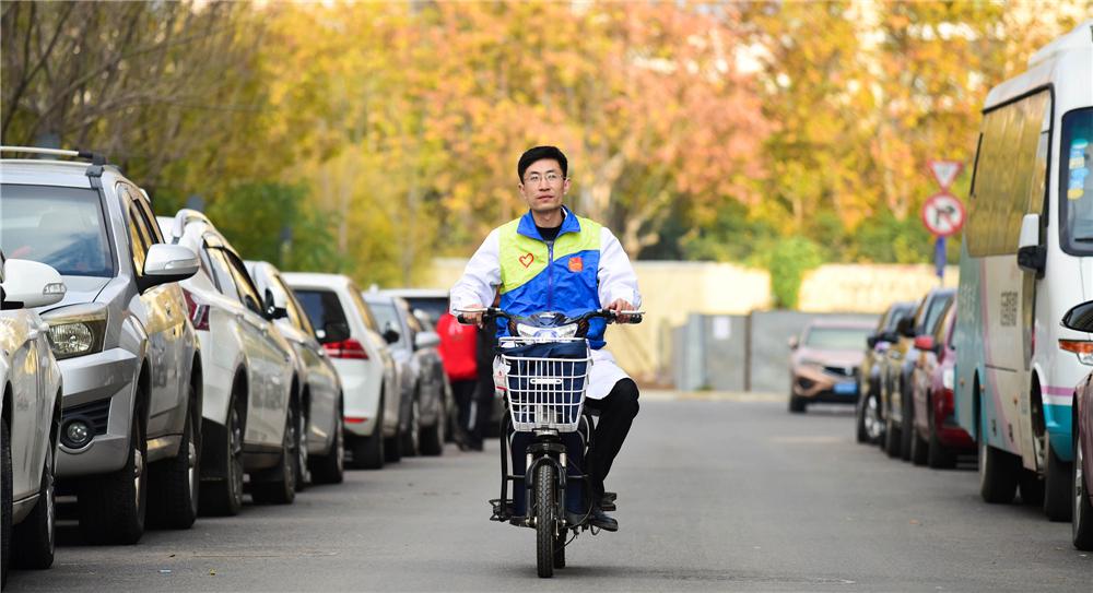 青岛社区医生与1600个家庭签约 65岁以上老人占三成