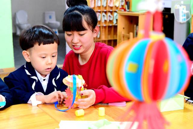 半月谈丨幼儿园作业:自制不敌网购?