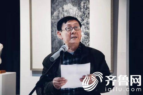 诗人、书法家赵雪松主持开幕式