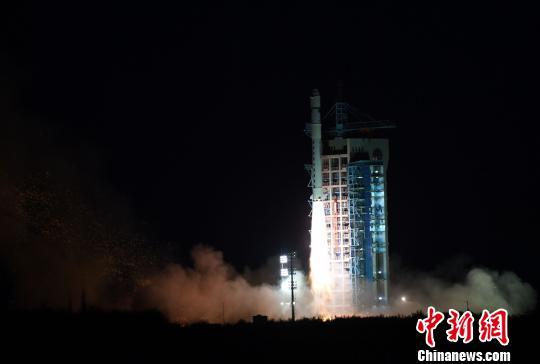 """中国首颗软件定义卫星""""天智一号""""成功发射"""
