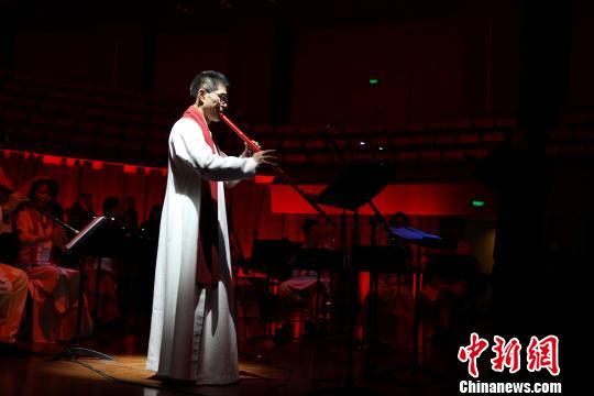 """竹笛演奏家张维良:寻找中国民乐的""""国际听觉"""""""