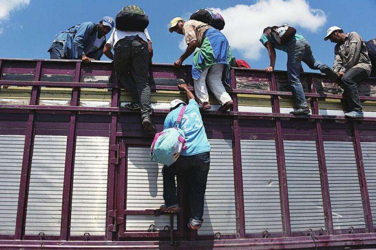 特朗普欲禁止非法越过南部边境移民获庇护,美国法官说No!
