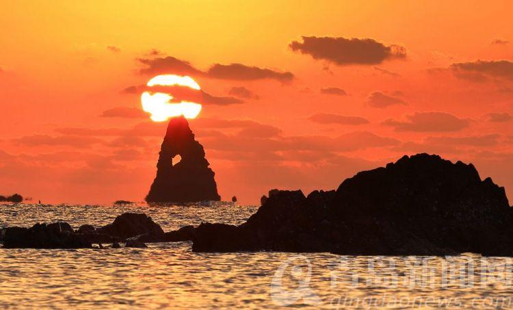 高清:海上日出每天壮丽呈现 石老人开启初冬唯美模式