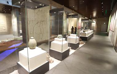 孔子博物馆开馆试运行 首批2000多件文物 入住