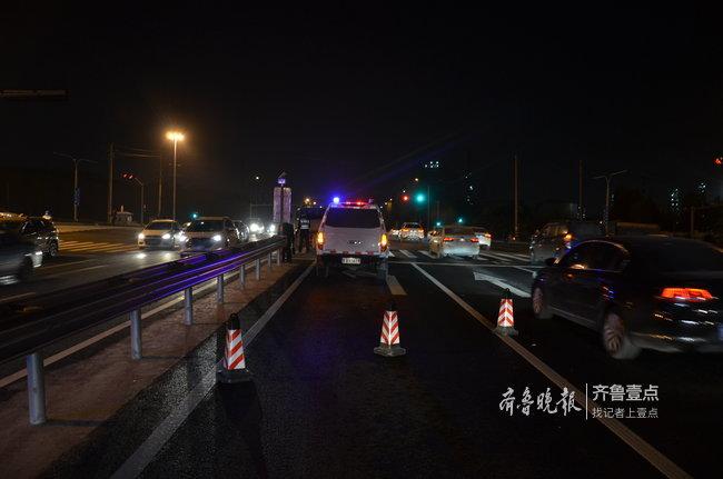 货车闯红灯撞了闯红灯的行人,济南一路口发生悲剧