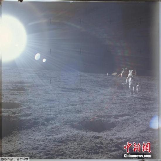 3颗月球碎石拍出85.5万美元 为仅有的私人收藏样本